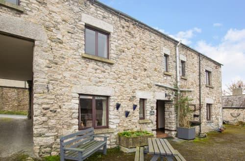 Last Minute Cottages - The Coach House 1