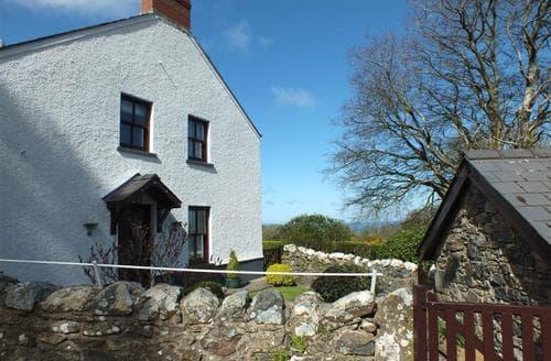Last Minute Cottages - Cosy Newport Cottage S71719