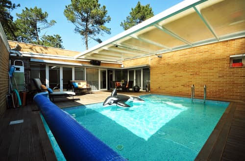 Last Minute Cottages - Villa Ademar