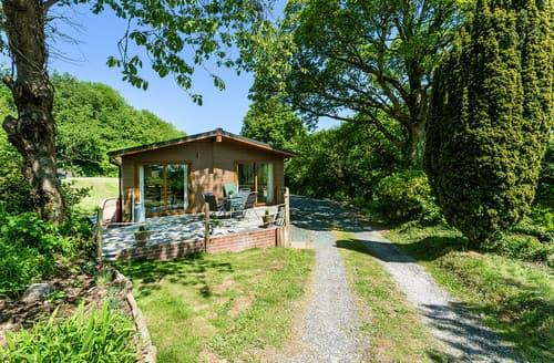 Last Minute Cottages - Coombe Croft Lodge