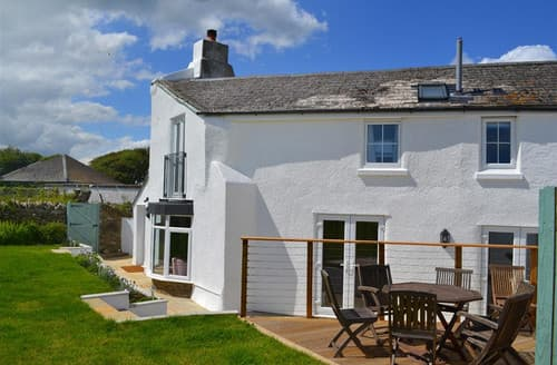 Last Minute Cottages - Little Coombe
