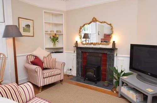 Last Minute Cottages - Lyme Regis Apartment