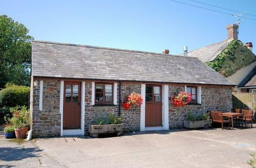 Last Minute Cottages - Holsworthy Cottage