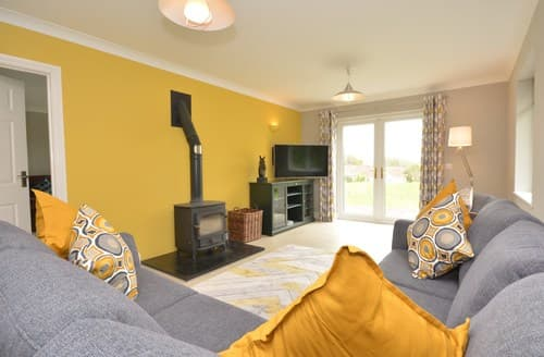 Last Minute Cottages - Carmarthen Cottage