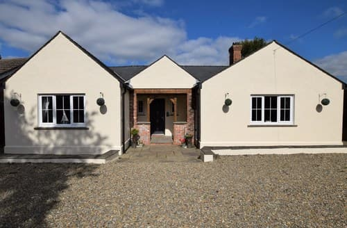 Last Minute Cottages - Tenby Cottage