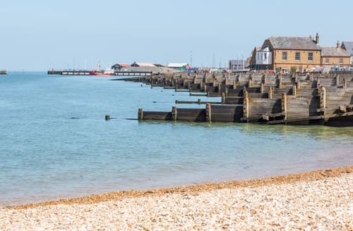 Last Minute Cottages - Whitstable Apartment