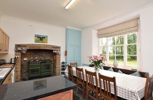 Last Minute Cottages - Launceston Cottage