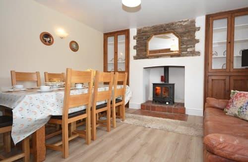 Last Minute Cottages - Crickhowell Cottage