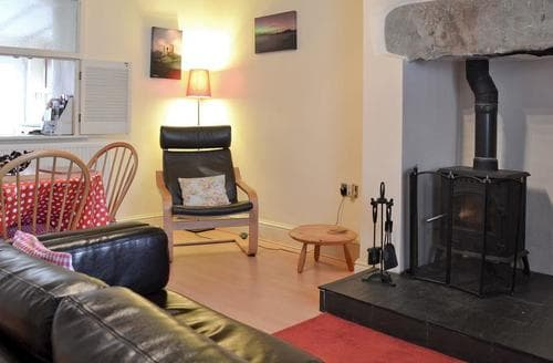 Last Minute Cottages - Cwm Yr Afon - 28493