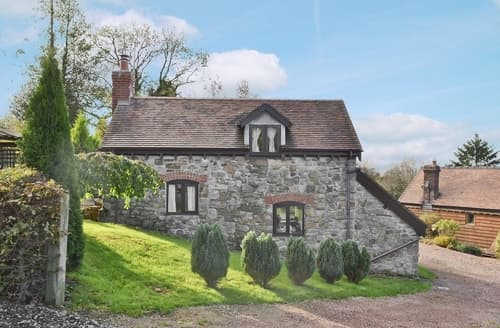 Last Minute Cottages - Angel Barn
