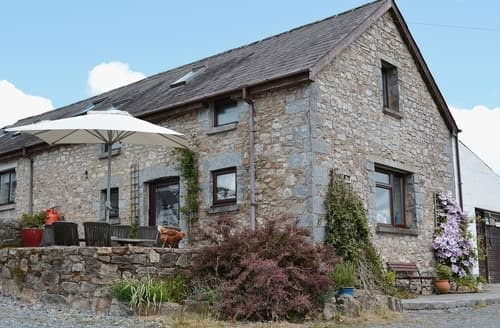 Last Minute Cottages - Granary Barn