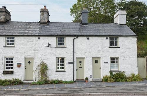 Last Minute Cottages - Under Moor Cottage