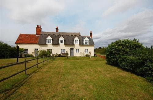 Last Minute Cottages - Clayden's