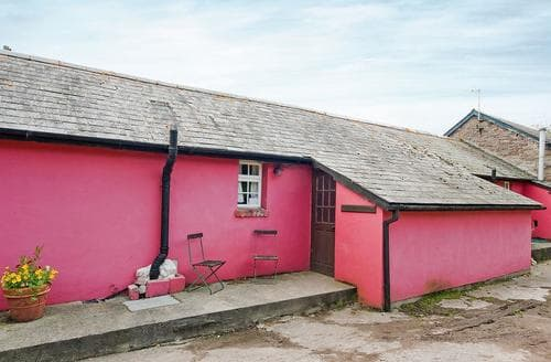 Last Minute Cottages - Cowshed Cottage