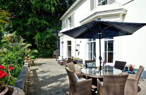 Last Minute Cottages - Clarence Grey House