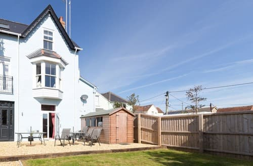 Last Minute Cottages - Hampton House