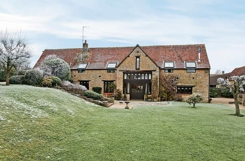 Last Minute Cottages - Higher Farm Barn