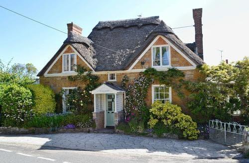 Last Minute Cottages - Swiss Cottage
