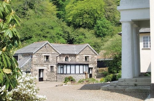 Last Minute Cottages - Rosecraddoc Manor - Hayloft
