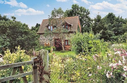 Last Minute Cottages - Eden Cottage