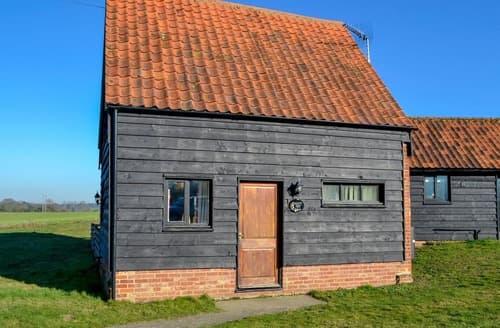 Last Minute Cottages - Sally's Nest - E3042