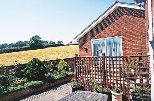 Last Minute Cottages - The Galley - E3770