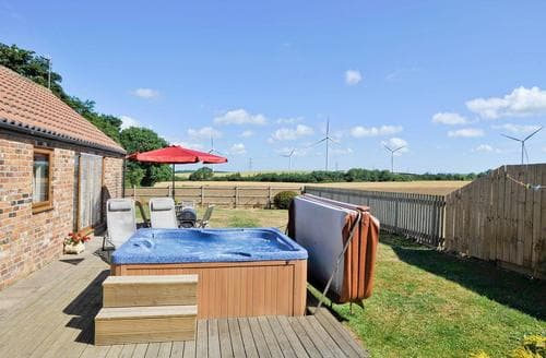 Last Minute Cottages - Holly Barn E4099