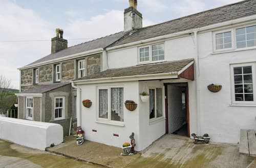 Last Minute Cottages - Ty Cefyl Bach - HW7760