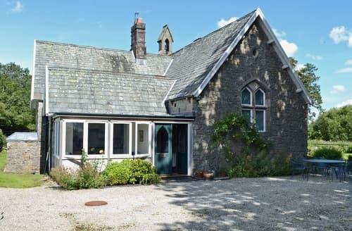 Last Minute Cottages - Barton School House