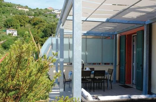 Last Minute Cottages - Appartamento Vista di Mare