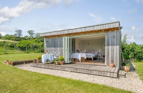Last Minute Cottages - Little Cruxton