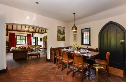Last Minute Cottages - The Mission House