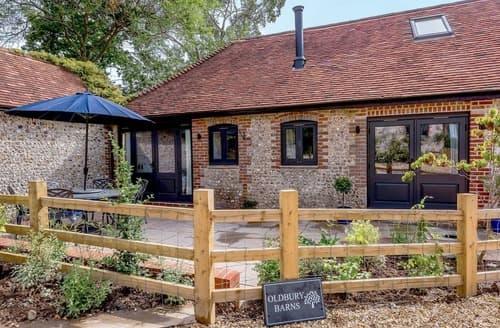 Last Minute Cottages - The Lodge at Oldbury Barns