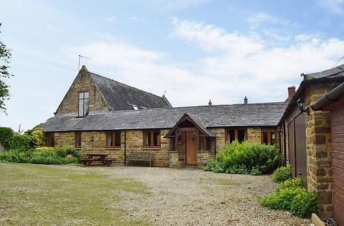 Last Minute Cottages - Swallow Barn