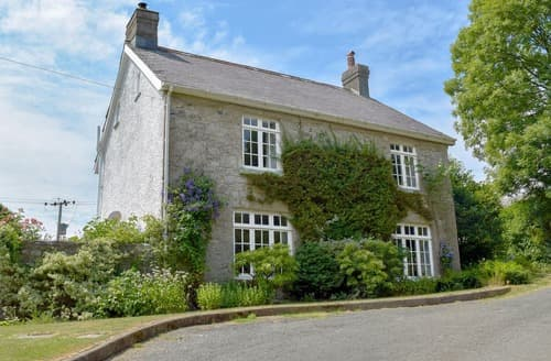 Last Minute Cottages - Lordship Farmhouse