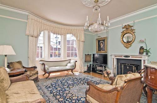 Last Minute Cottages - Regents House