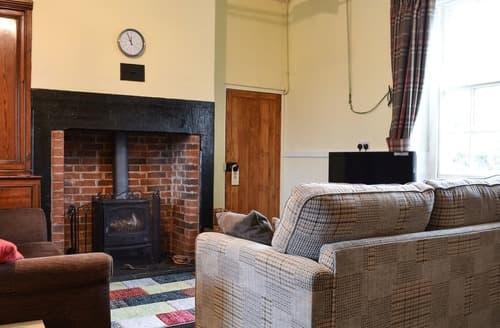 Last Minute Cottages - Harebeck Cottage