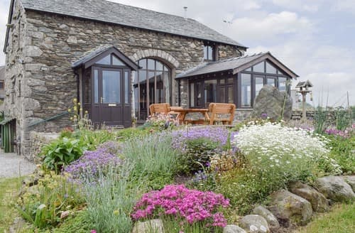 Last Minute Cottages - Hill Top Barn