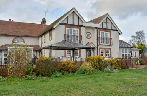 Last Minute Cottages - Fifield Lodge