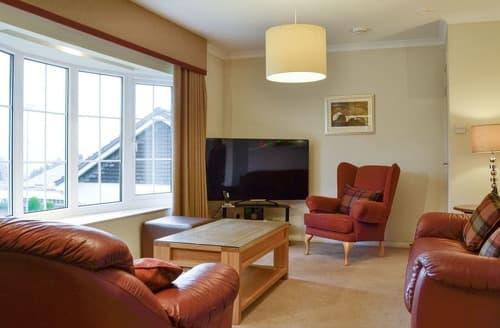 Last Minute Cottages - Woodland View Bungalow 2 - UK10493