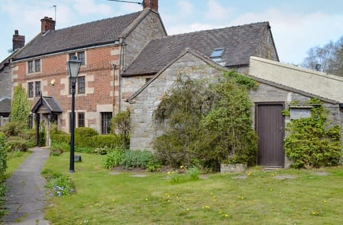 Last Minute Cottages - Old Beams