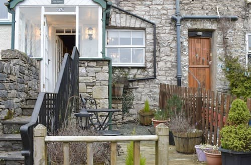 Last Minute Cottages - The Chimes
