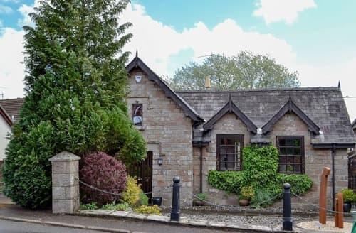 Last Minute Cottages - The Old School Penallt