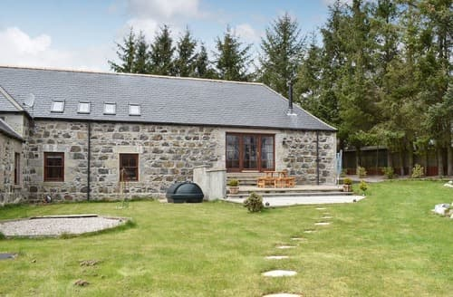 Last Minute Cottages - Culdrain Steading