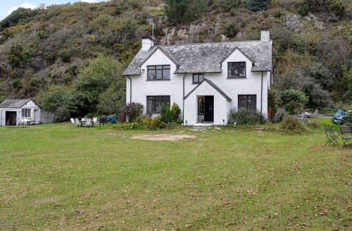 Last Minute Cottages - Llys Cyngar