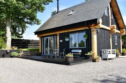 Last Minute Cottages - Rowanlea Lodge