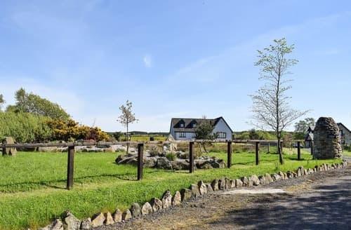 Last Minute Cottages - Lawford Lodge