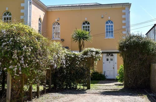 Last Minute Cottages - Woodford House