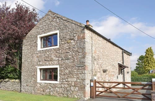 Last Minute Cottages - Bluebell Barn