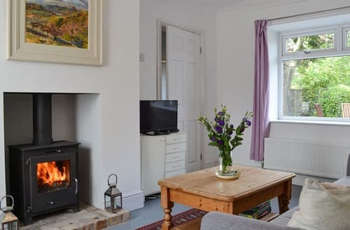 Last Minute Cottages - The Artists House